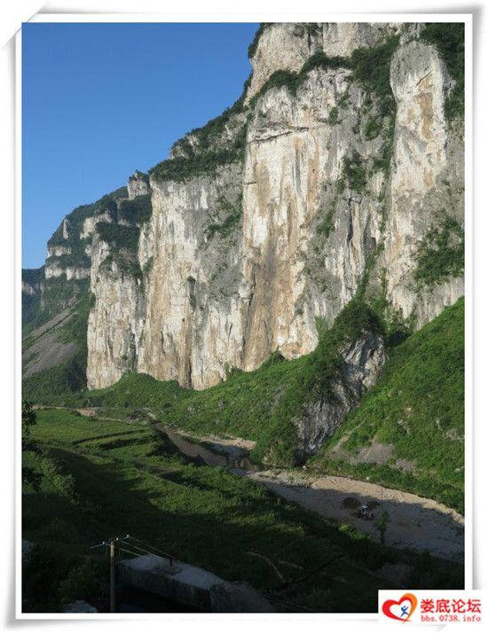 湄江风景石岩
