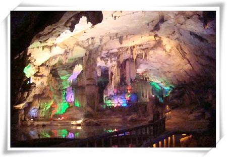 波月洞神奇的景色
