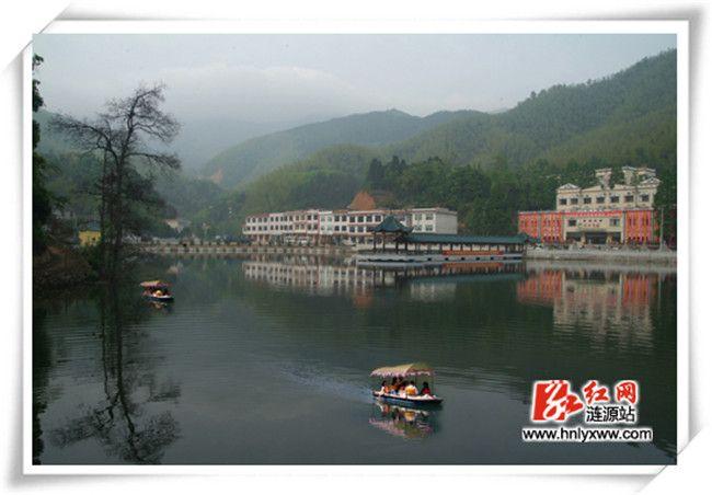 龙山彩凤湖